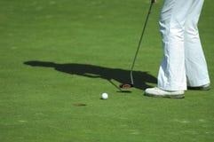 路线高尔夫球轻轻一击 免版税库存图片