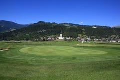 路线高尔夫球sagogn schluein瑞士 免版税库存照片