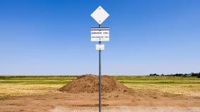 路线66中点标志 免版税图库摄影