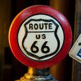 路线66标志红色通报  免版税库存图片