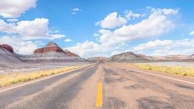 路线66 :圆锥形帐蓬,蓝色Mesa,化石森林路,石化Fo 库存图片