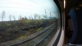 路轨的看法从移动的火车的 股票视频