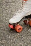 路辗鞋子滑冰 免版税库存照片