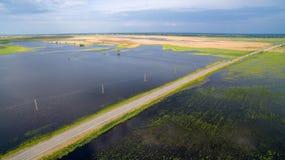 路通过洪水区域 免版税库存图片