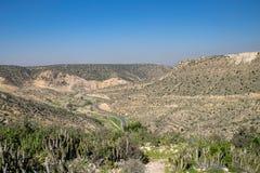 路通过阿特拉斯山脉的南西部角落从阿加迪尔,摩洛哥的 库存照片