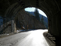 路隧道。 库存图片