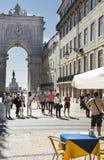 路面咖啡馆在Rua奥古斯塔里斯本 免版税库存图片