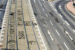 路面电车街道和路轨的样式在科隆 免版税库存照片