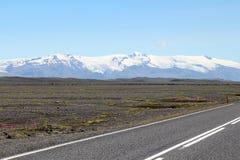 路风景在冰岛。 库存照片