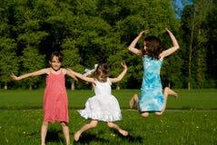 跳三的女孩 库存照片