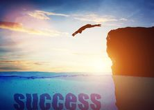 跳为成功的人 r 向量例证