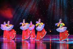 跳开舞蹈---韩国舞蹈 免版税库存照片