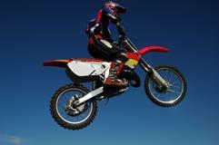 跳摩托车越野赛 免版税图库摄影