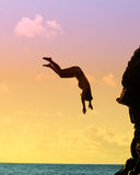 跳的岩石水 免版税图库摄影