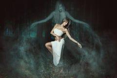 跳舞与鬼魂 免版税图库摄影