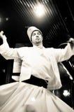 跳舞伊斯兰教苦行僧伊斯坦布尔火鸡旋转 免版税库存照片
