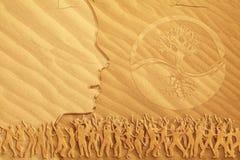 跳舞凝思沙子 免版税库存图片