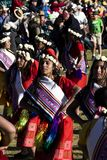 跳舞在传统印加人服装的妇女在印锑秘鲁货币单位Raymi节日 库存照片
