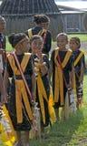 跳舞在传统衣裳弗洛勒斯印度尼西亚的战士 库存照片