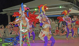 跳舞在加勒比海的阿鲁巴手段 图库摄影