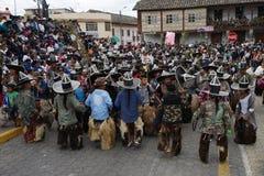 跳舞在印锑秘鲁货币单位Raymi的土产Kichwa人在Cotacachi厄瓜多尔 免版税库存图片