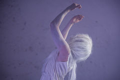跳舞在废墟 库存照片