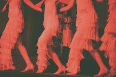 跳舞在阶段的妇女 免版税图库摄影