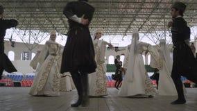 跳舞妇女和人黑白服装的 股票视频
