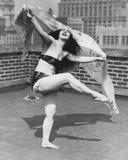 跳舞对一位不同的鼓手(所有人被描述不更长生存,并且庄园不存在 供应商保单那里w 库存照片