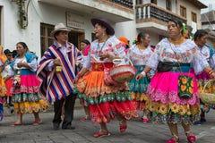 跳舞户外在厄瓜多尔的本地kechwa人 免版税图库摄影