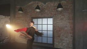 跳舞探戈的专业舞蹈家在舞厅 股票录像