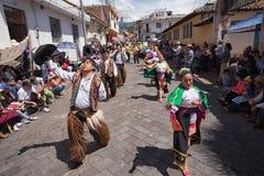 跳舞本地kichwa的人户外 库存照片