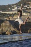 跳舞海上 免版税库存照片