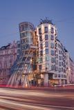 跳舞的房子在布拉格-长的曝光 图库摄影