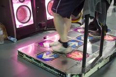 跳舞的电子游戏 免版税图库摄影