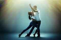 跳舞社会danse的夫妇 免版税库存照片