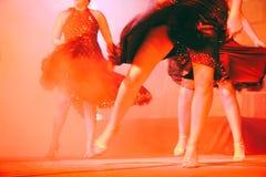跳舞行程的妇女 免版税图库摄影