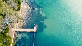 跳船到海洋悉尼海岸里 库存照片