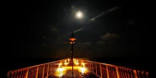 跳船在夜间流逝塞浦路斯(4k)之前 股票视频