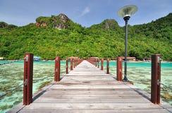 跳船在Semporna,沙巴婆罗洲 免版税库存照片