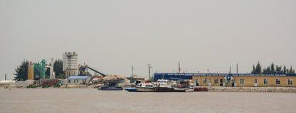 跳船的看法在海防市,越南 库存图片
