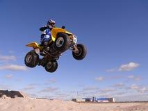 跳跃在quadrocycle 免版税库存照片