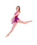 跳跃女性舞蹈家的年轻人 库存图片