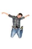 跳跃的年轻人 免版税库存图片