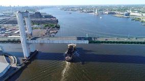跳跃者挖泥机特拉华河费城PA鸟瞰图  影视素材