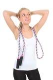 跳过绳索运动的白人妇女 库存图片