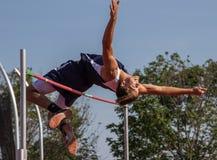 跳高运动员 免版税库存图片
