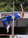 跳高运动员 免版税库存照片