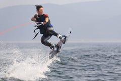 跳wakeboarder 图库摄影