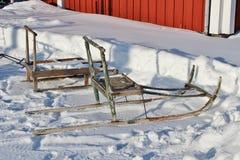 踢在露天博物馆Hägnan的雪撬我Gammelstad 库存照片